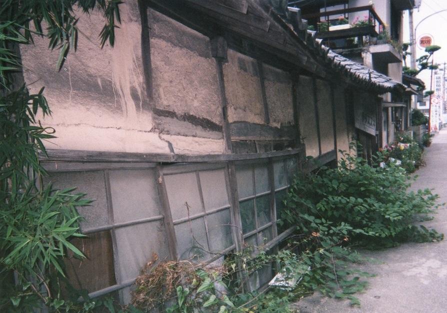 半地下家屋2.jpg